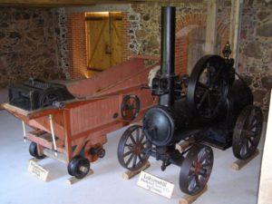 Mitmesugused põllutöömasinad ja -riistad